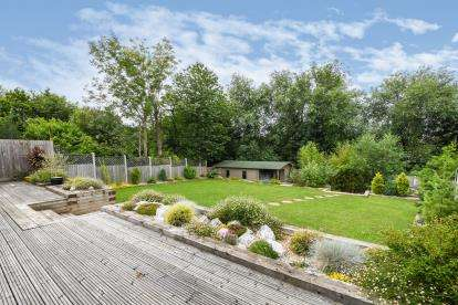 4 Bedrooms Bungalow for sale in Brentwood, Essex, .