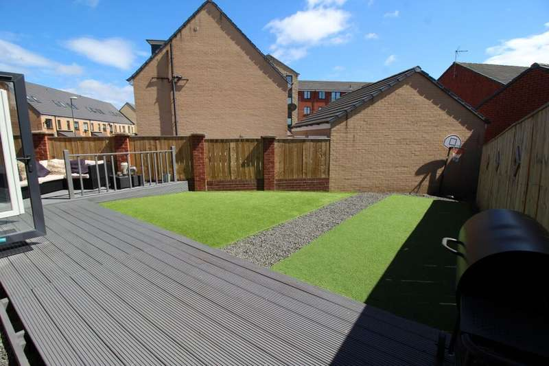 4 Bedrooms Detached House for sale in St. Aloysius View, Hebburn, NE31