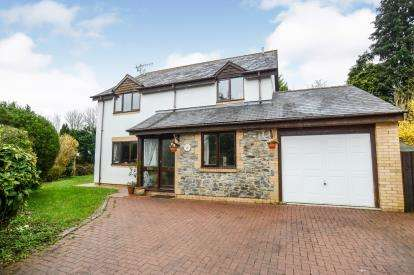 4 Bedrooms Detached House for sale in Dartbridge Road, Buckfastleigh, Devon