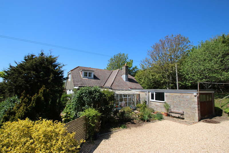 4 Bedrooms Detached House for sale in Corve Lane, Chale Green