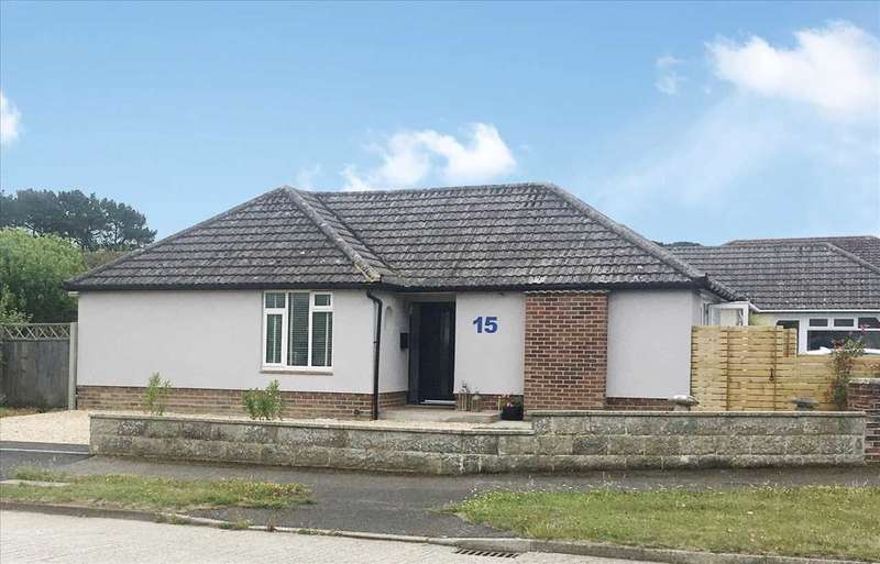 3 Bedrooms Detached House for sale in Ashmore Avenue, Barton-on-Sea