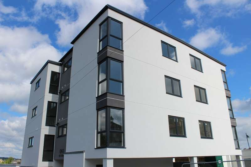 1 Bedroom Apartment Flat for sale in 1 - 3 Old Road, Chatham, Kent, ME4