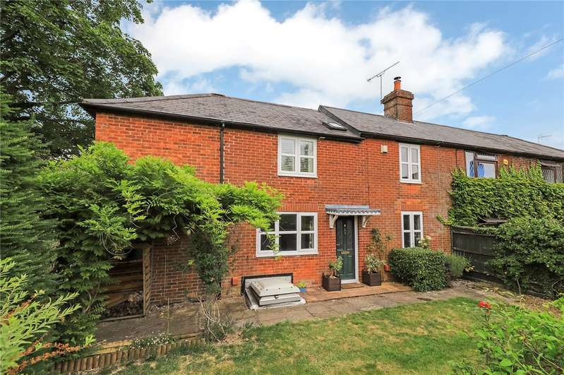 3 Bedrooms Semi Detached House for sale in School Road, Twyford, Hampshire, SO21