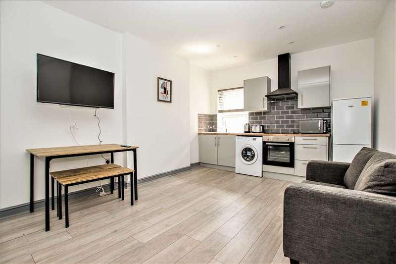 2 Bedrooms Apartment Flat for sale in Monks Road, Lincoln