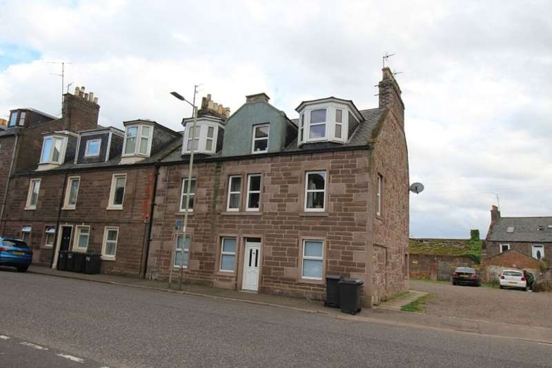 3 Bedrooms Flat for rent in Hill Street, Montrose, DD10