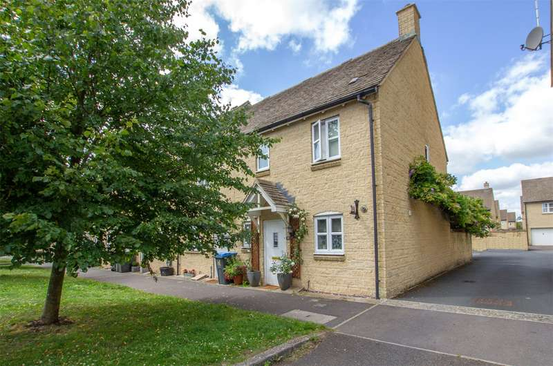 3 Bedrooms End Of Terrace House for sale in Elmhurst Way, Carterton, Oxfordshire, OX18
