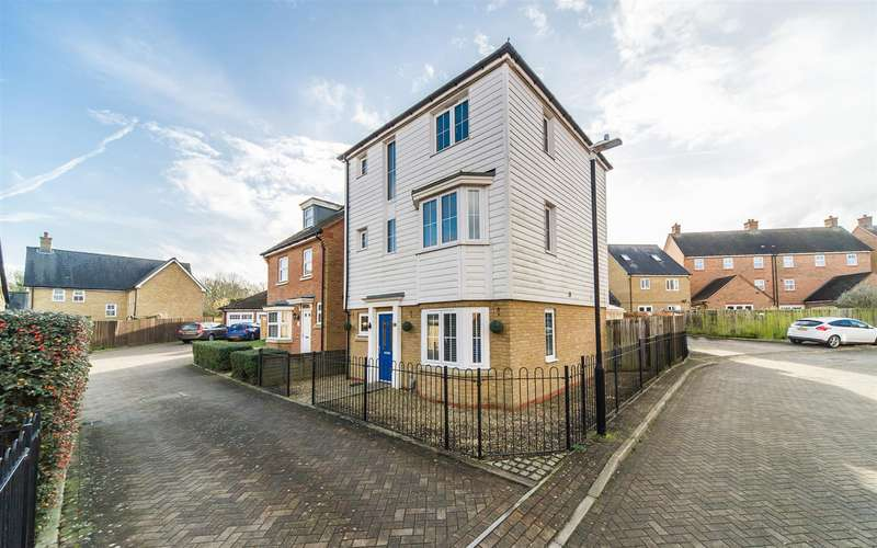 4 Bedrooms Town House for sale in Marigold Drive, Sittingbourne