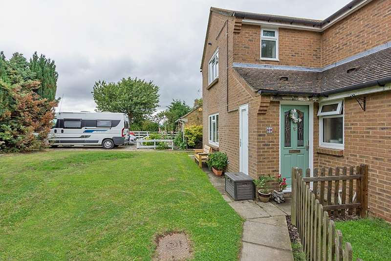 3 Bedrooms Semi Detached House for sale in Mountview, Borden, Sittingbourne