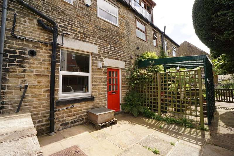 3 Bedrooms Terraced House for sale in Cobden Terrace, Crookes , Sheffield , S10 1HN