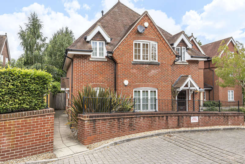 2 Bedrooms Flat for sale in Wychwood Place, Winchester