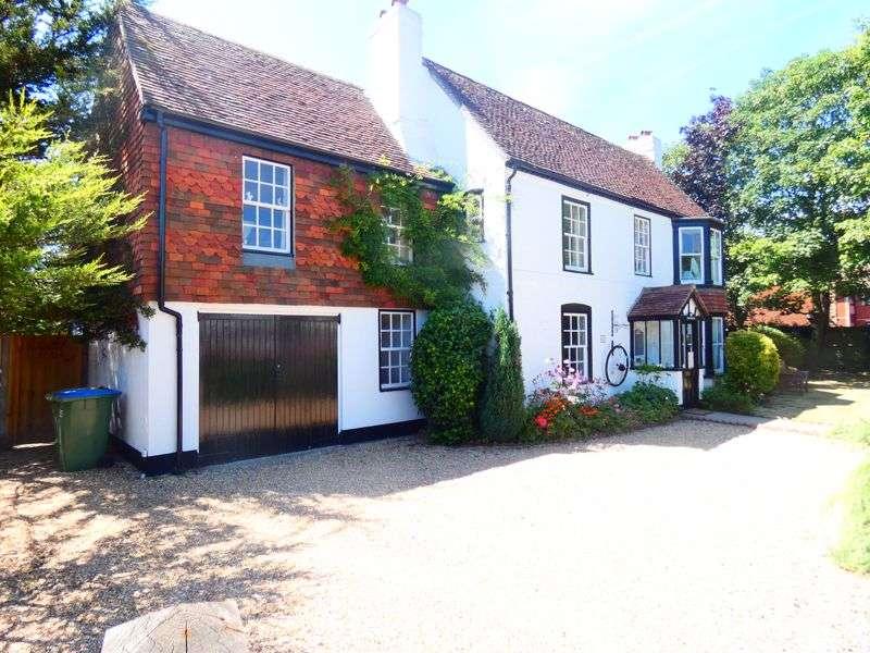 4 Bedrooms Property for sale in 22 Gosport Road Stubbington, Fareham