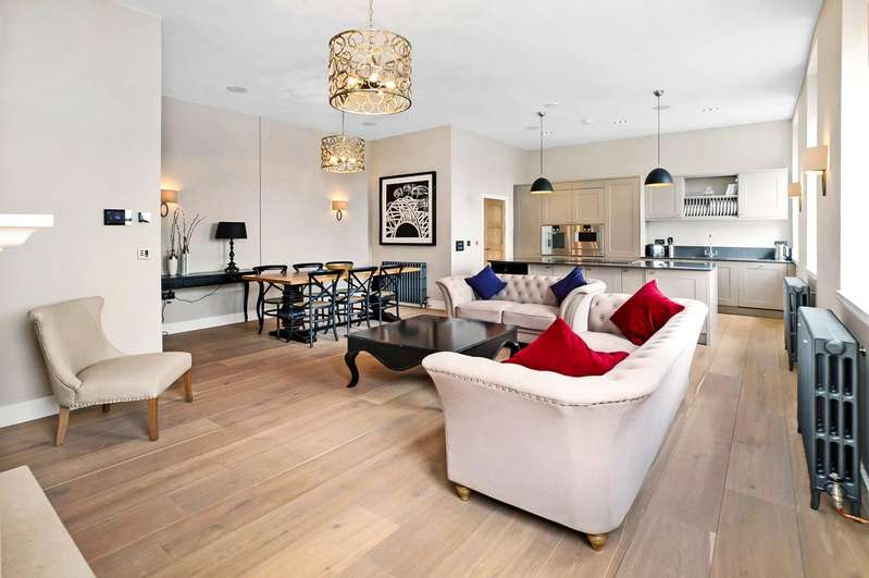 3 Bedrooms Flat for sale in Southernhay East, Exeter, Devon