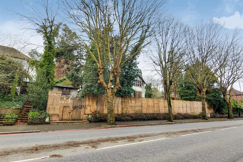 Detached House for sale in Addiscombe Road, Croydon