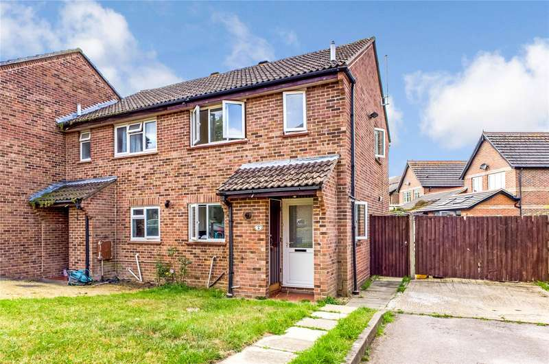 3 Bedrooms End Of Terrace House for sale in Candover Close, Tadley, Hampshire, RG26