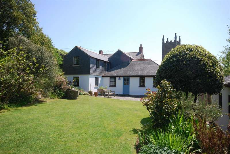 4 Bedrooms Detached House for sale in Porthcurno, St Levan