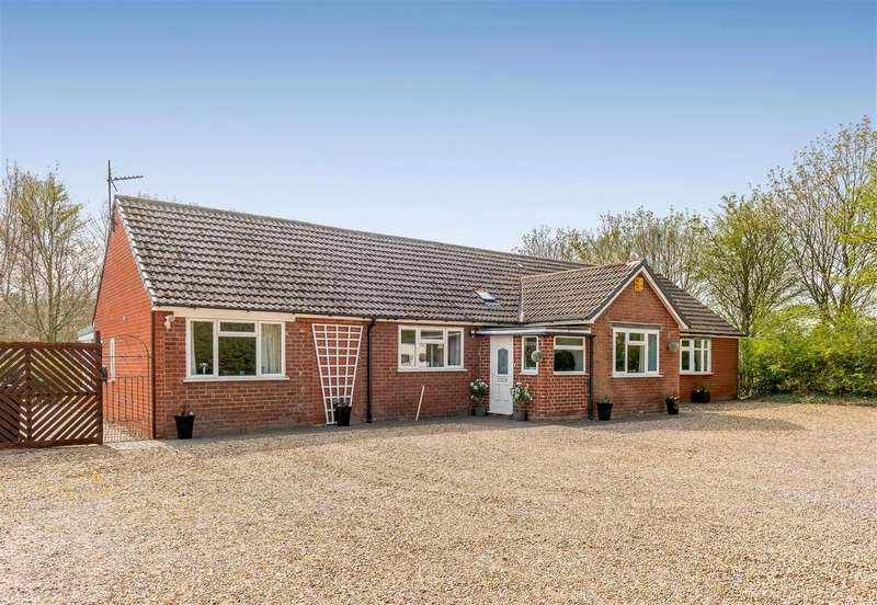 4 Bedrooms Detached Bungalow for sale in Watling Street, Grendon, Atherstone