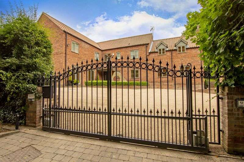 4 Bedrooms Property for sale in Main Street, Grove, Retford