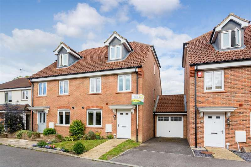 3 Bedrooms Semi Detached House for sale in Orchard Close, Burgess Hill
