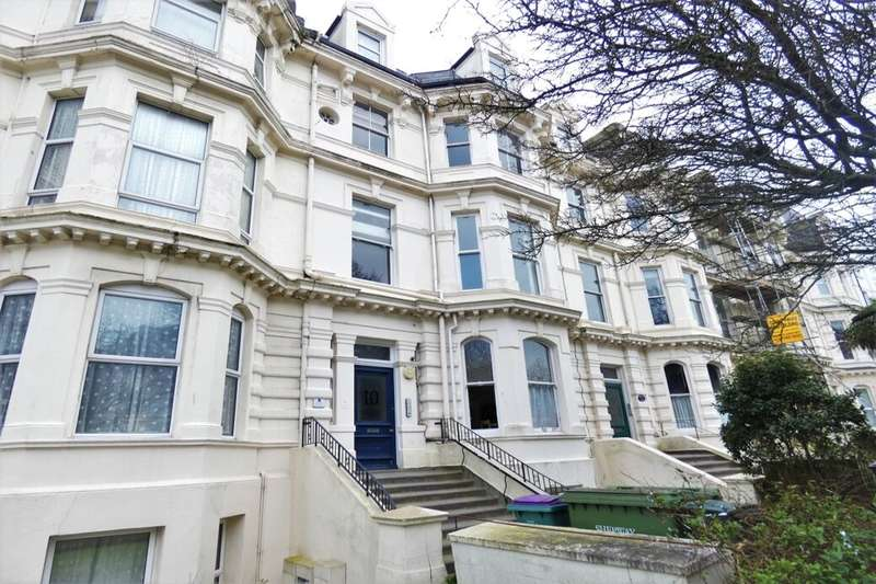 2 Bedrooms Flat for sale in Castle Hill Avenue, Folkestone, CT20