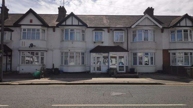 3 Bedrooms Property for sale in Beehive Lane, Ilford