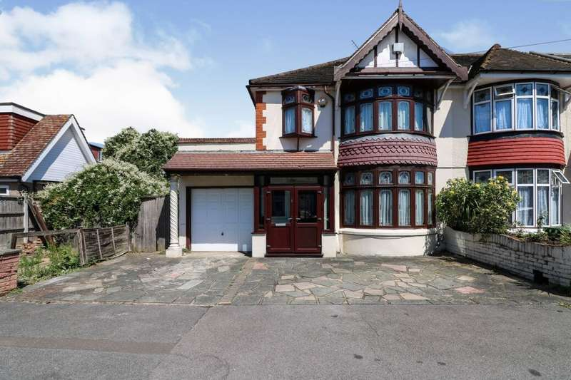 3 Bedrooms Semi Detached House for sale in Broadhurst Avenue, Ilford, IG3