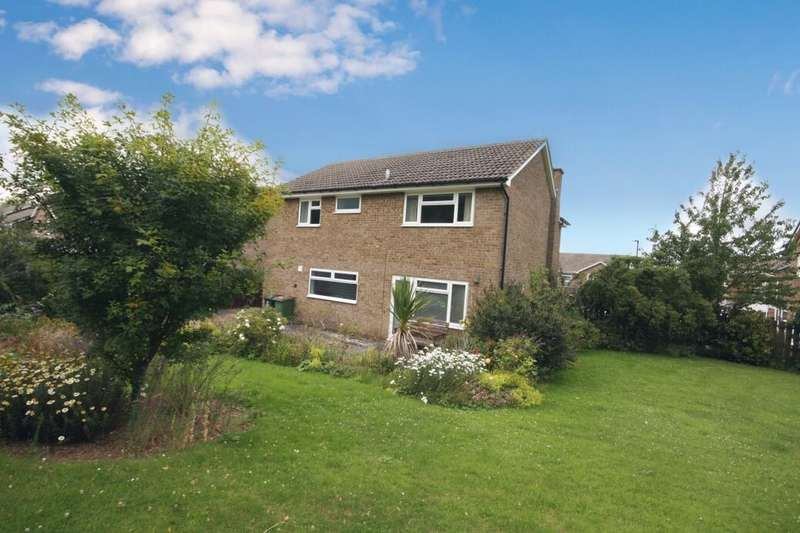 4 Bedrooms Detached House for sale in Oakley Close, Guisborough, TS14
