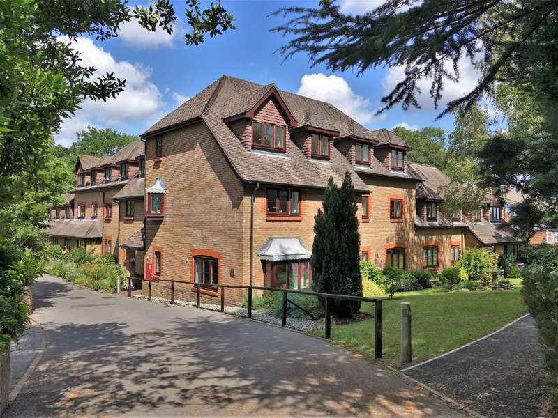 1 Bedroom Flat for sale in Langdown Firs, Hythe