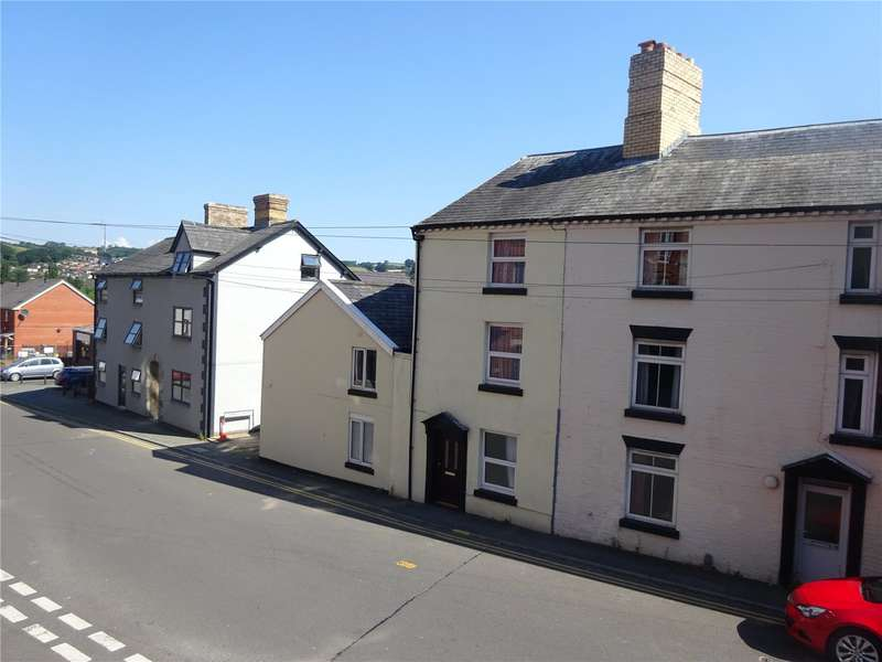 3 Bedrooms End Of Terrace House for sale in 18 Old Kerry Road, Newtown, Powys, SY16 1BP