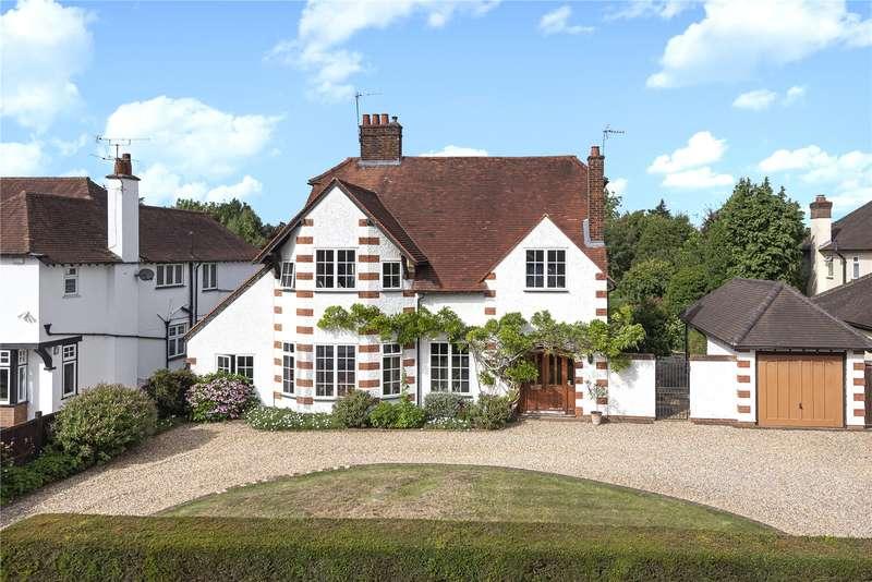 5 Bedrooms Detached House for sale in Bulstrode Way, Gerrards Cross, Buckinghamshire, SL9