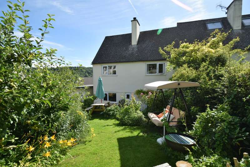 3 Bedrooms Semi Detached House for sale in Middle Tynings, Nailsworth, Stroud, GL6