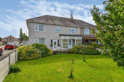 5 Bedrooms Semi Detached House for sale in Torrisholme Road, Lancaster, Lancashire, United Kingdom, LA1