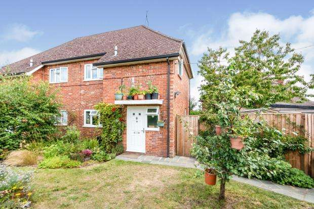 3 Bedrooms Semi Detached House for sale in Alton, Hants