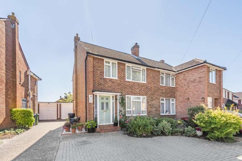 3 Bedrooms Semi Detached House for sale in Fullerton Road, Byfleet, KT14