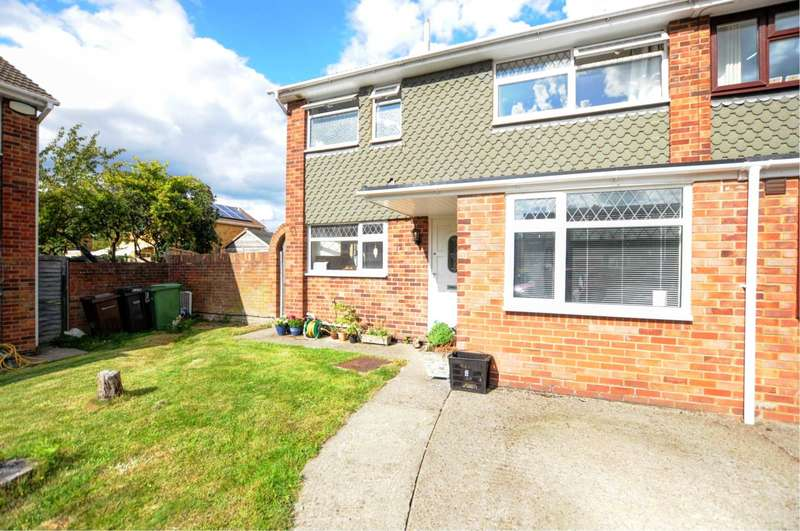 3 Bedrooms Semi Detached House for sale in Hunters Point, Chinnor