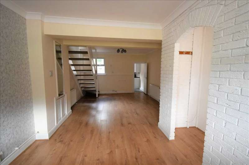 3 Bedrooms House for sale in Knockhall Road, Greenhithe