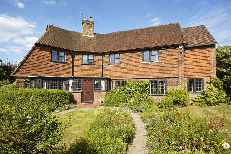 5 Bedrooms Detached House for sale in Paddocks Way, Ashtead, Surrey, KT21