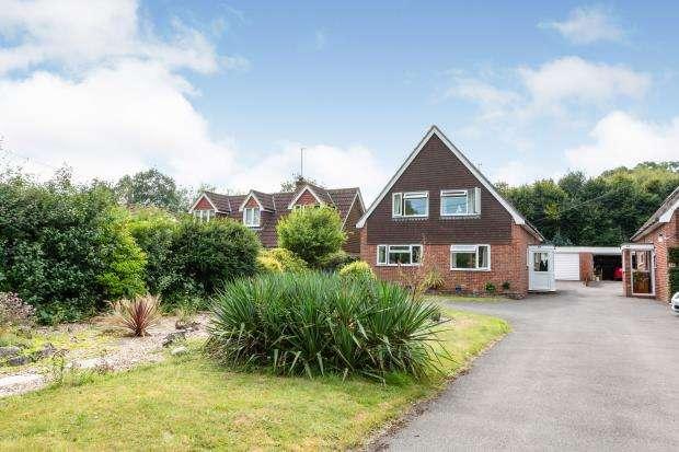 3 Bedrooms Detached House for sale in Oakley, Basingstoke, Hampshire