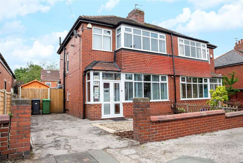 3 Bedrooms Semi Detached House for sale in Birch Avenue, Chadderton, Oldham, Greater Manchester, OL1