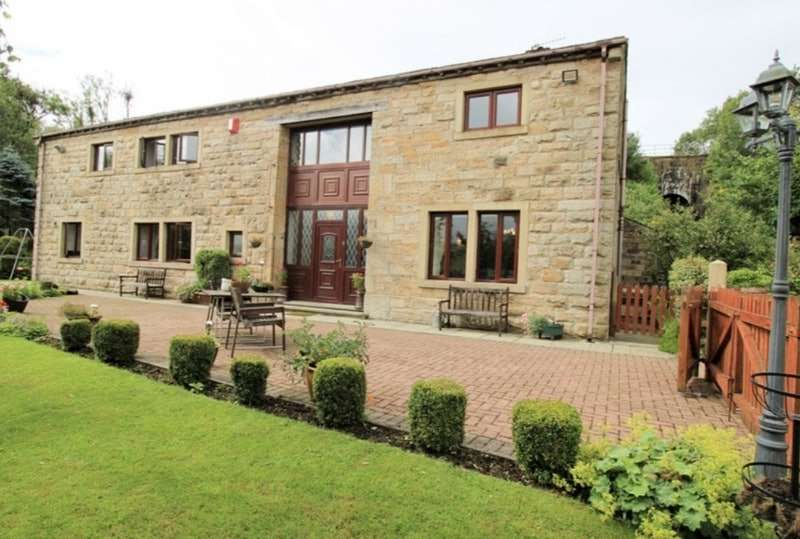 5 Bedrooms Barn Conversion Character Property for sale in Burnley Road, Burnley, Lancashire, BB10