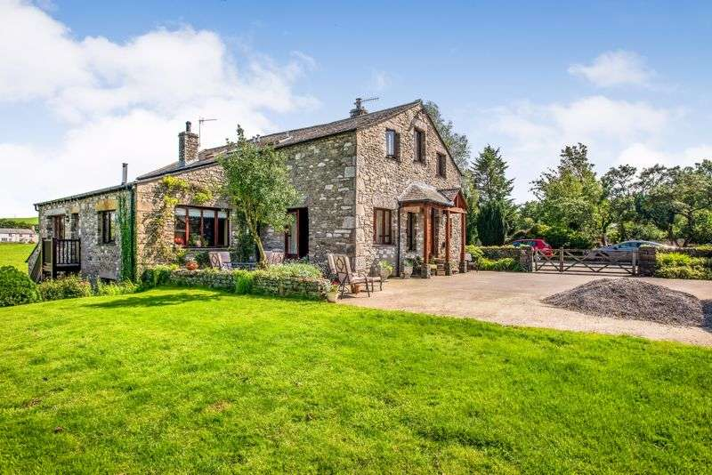5 Bedrooms Property for sale in Characterful and spacious barn conversion