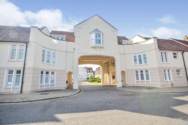 2 Bedrooms Apartment Flat for sale in Lammas Gate, Abbey Street, Faversham, Kent, ME13