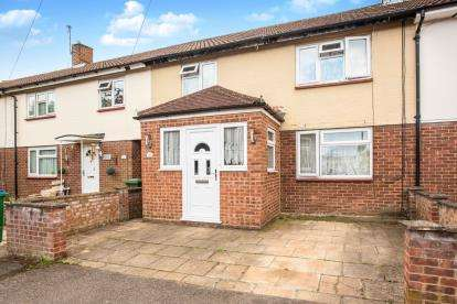 4 Bedrooms Terraced House for sale in Ivinghoe Close, Watford, Hertfordshire