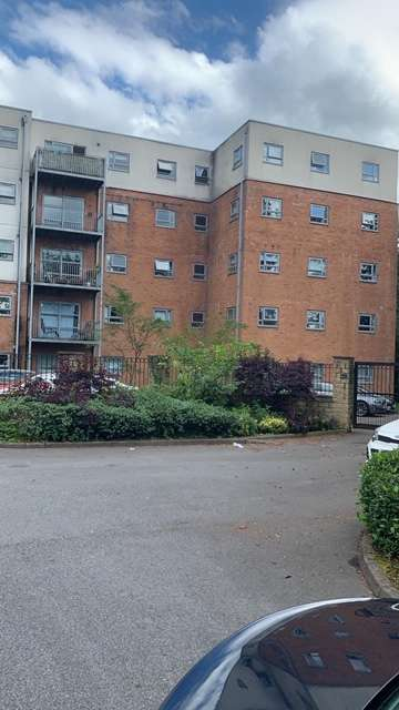 2 Bedrooms Flat for sale in Stamford Street East, OL6