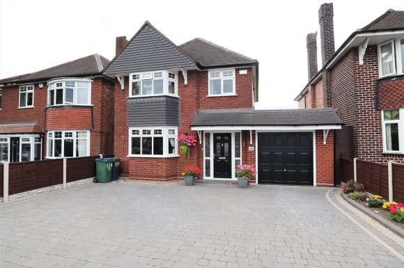 3 Bedrooms Property for sale in Hydes Road, Wednesbury
