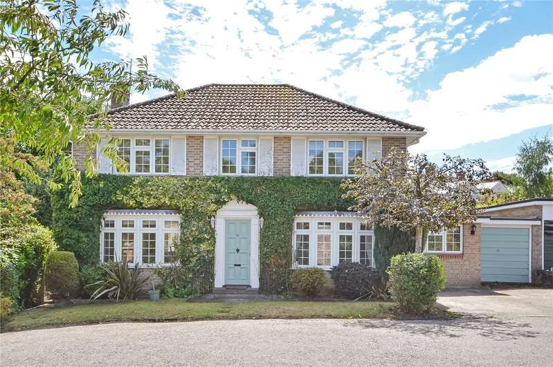 4 Bedrooms Detached House for sale in Francis Gardens, Winchester, Hampshire, SO23