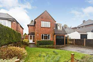 4 Bedrooms Detached House for sale in Downs Road, Coulsdon, Surrey, .