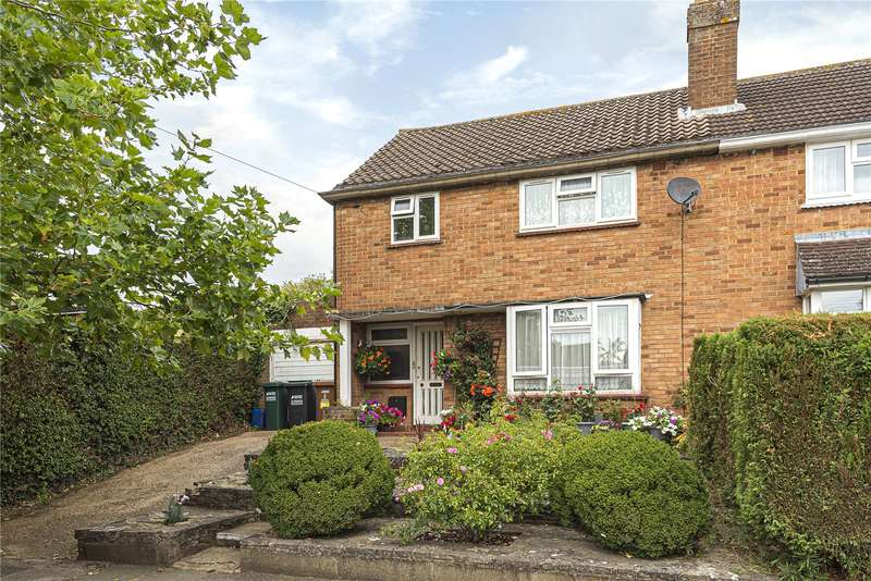 3 Bedrooms Semi Detached House for sale in Chiltern Drive, Mill End, Rickmansworth, Hertfordshire, WD3