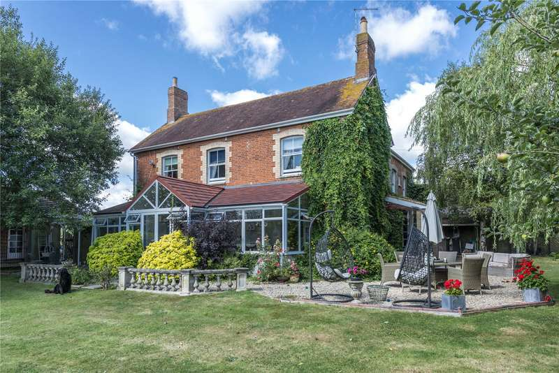 4 Bedrooms Detached House for sale in Holwell Road, Kings Stag, Sturminster Newton, DT10