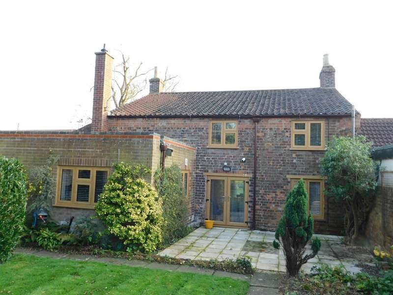 4 Bedrooms Detached House for sale in Main Road, Willoughby, Alford, LN13 9NH