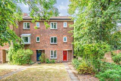 4 Bedrooms End Of Terrace House for sale in Southampton, Hampshire, .